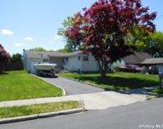 143 Stuyvesant  Drive, Pt.Jefferson Sta image