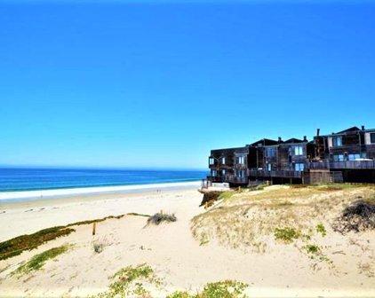 125 Surf Way 333, Monterey