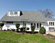 3883 Jean Ave, Bethpage image