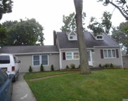 56 Satinwood  St, Central Islip image