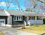520 W Ridgewood Dr, Northfield image