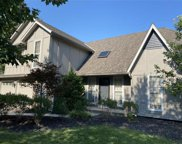 206 Ne Shoreview Drive, Lee's Summit image
