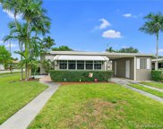 1001 Sw 72nd Ave, Miami image