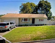 185 Westwood  Drive, Brentwood image