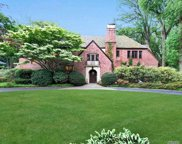 23 Bonnie Heights  Road, Manhasset image