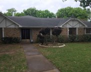 9009 Hunters Glen Trail, Fort Worth image