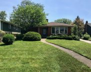 11 Tuttle Avenue, Clarendon Hills image