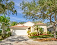 661 Carrington Ln, Weston image