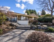 8829 NE 25th Pl, Clyde Hill image