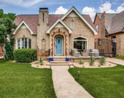 1042 N Edgefield Avenue, Dallas image
