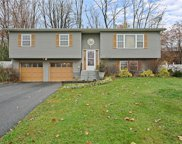 32 Guernsey  Drive, New Windsor image