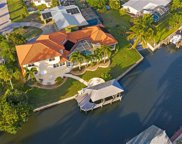 122 Seahorse Ln, Fort Myers Beach image