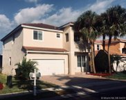 2260 Nw 77th Ter, Pembroke Pines image