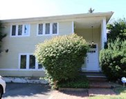 165 Cold Spring Road, Syosset image