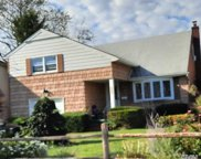 2809 Chapman  Avenue, Bellmore image