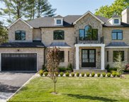 38 Hill  Lane, Roslyn Heights image