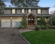 2461 Lindenmere  Drive, Merrick image