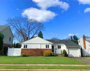 68 Willets  Dr, Syosset image
