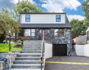 422 Essex Ave, Bloomfield Twp. image