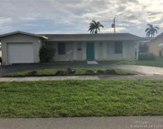 567 S Crescent Dr, Hollywood image