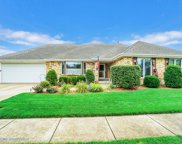 6334 Carriage Way, Oak Forest image