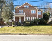 79 Red Ground  Road, Roslyn Heights image