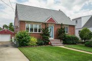 9 Abbey Ct, Bellmore image