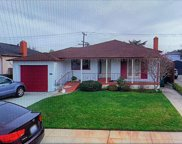 722 Guildford Ave, San Mateo image