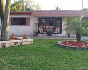 320 Nw 39th St, Oakland Park image