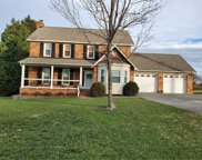 9305 Deer Path Lane, Kernersville image