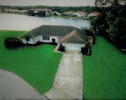 11826 Sw Dallas Drive S, Lake Suzy image