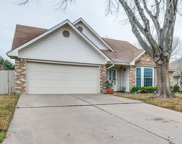 2824 Sommerset Drive, Grand Prairie image