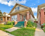 6005 West Byron Street, Chicago image