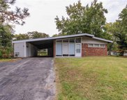 8401 Chalons, St Louis image