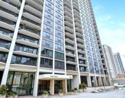 1560 North Sandburg Terrace Unit 904, Chicago image