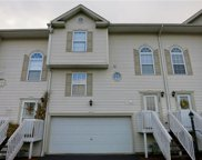 104 Manor View Dr, Manor image