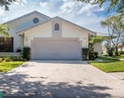 829 Hampton Ct, Weston image