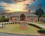 52  Lakeshore Drive, Eastchester image