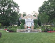 160 Woodmere Drive, Cook Twp image