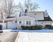 28 Hearth Ln, Westbury image