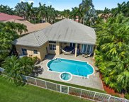 2525 Hunters Run Way, Weston image
