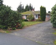 2321 W Parkway Dr, Mount Vernon image
