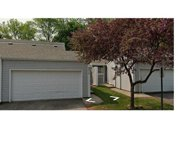 4217 Sylvia Lane S, Shoreview image