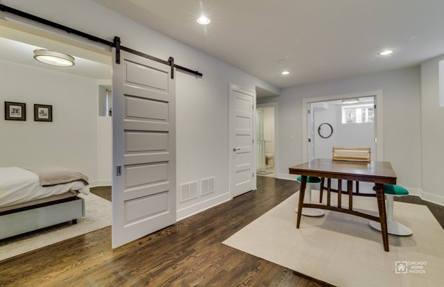 2436 mozart street chicago 60647 for sale