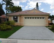 1021 NW 187th Ave, Pembroke Pines image