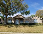 10615 Crescent Lake Court, Clermont image