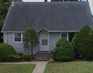 39 Woodcrest  Rd, Hicksville image