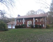 302 Hawkesbury Road, Clemmons image