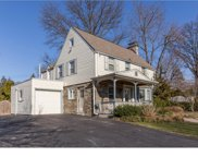 2800 Woodleigh Road, Havertown image