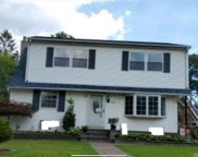833 Udall  Road, West Islip image